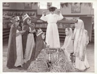 1959 Christmas Wimblebury infants