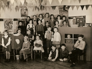 Heath Hayes Primary School 1957 – Emailed by Jo Bate