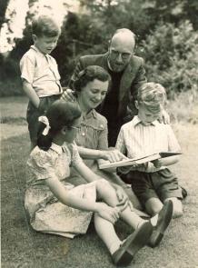 rev_and_mrs_neaun_1939_1943